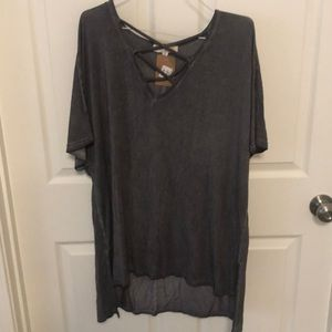 Criss cross front tunic top!